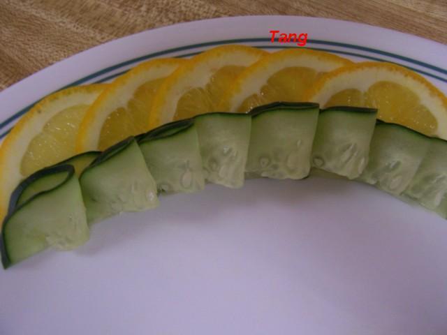 ملف رائع يحتوى على طرق تقطيع الفاكهة ارجو التثبيت 100_5291