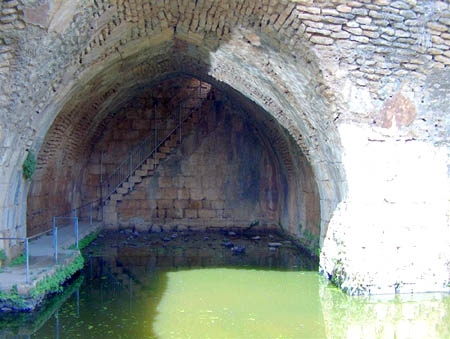 الجولان مناظر خلابة و خزان للمياه  13d