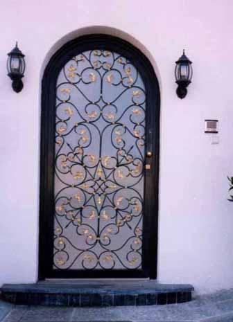 احدث الديكورات للأبواب الحديديه 2012 door4.jpg