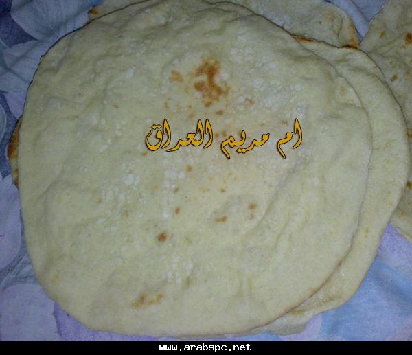 وهذا شكلها بعد ماختمرت نرجع للخبز العربي نعمل منه كويرات
